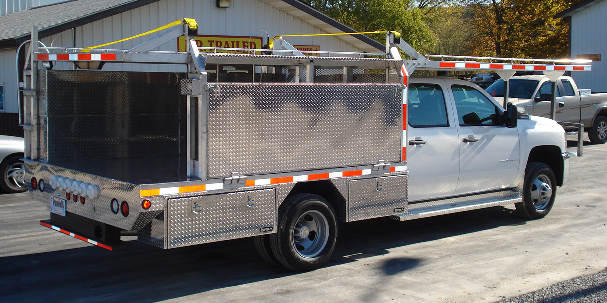 aluminum bed with over the cab ladder rack