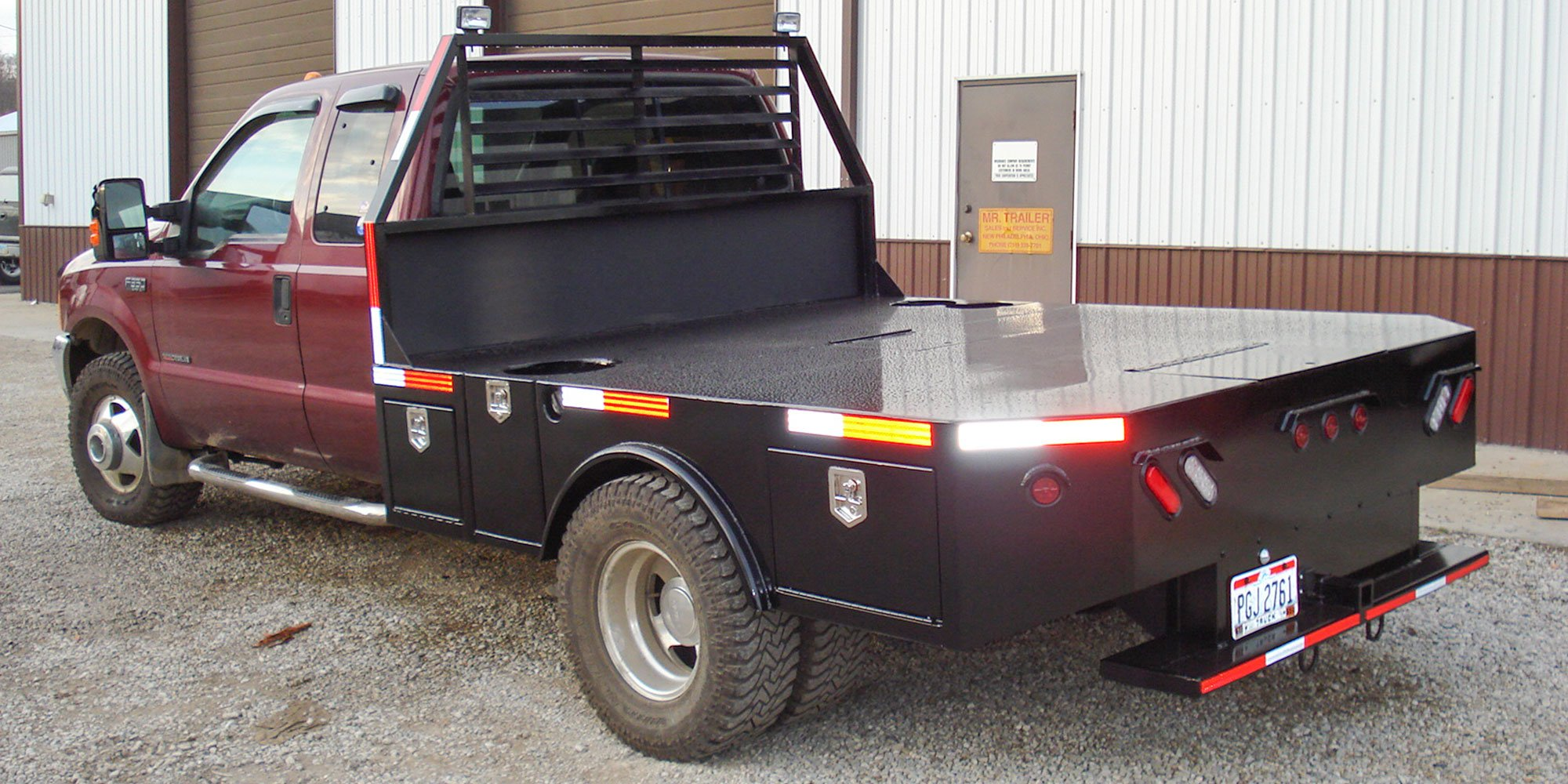 steel flatbed with gooseneck ball