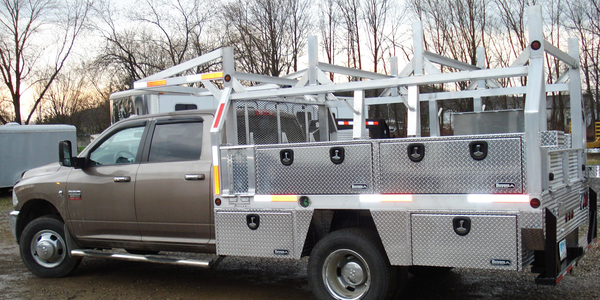 aluminum service truck with compartments